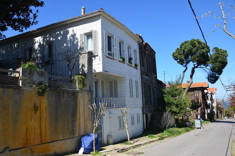 Haus in Büyükada auf dem Weg zum Gipfel
