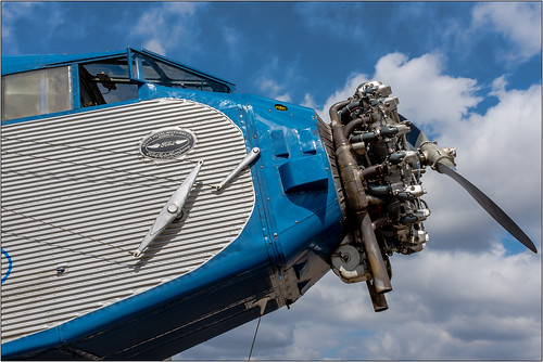 california ford plane airplane aircraft propeller 1929 oldplane fordtrimotor trimotor vintageaircraft radialengine oldairplane vintageairplane gillespiefield oldaircraft 4ate