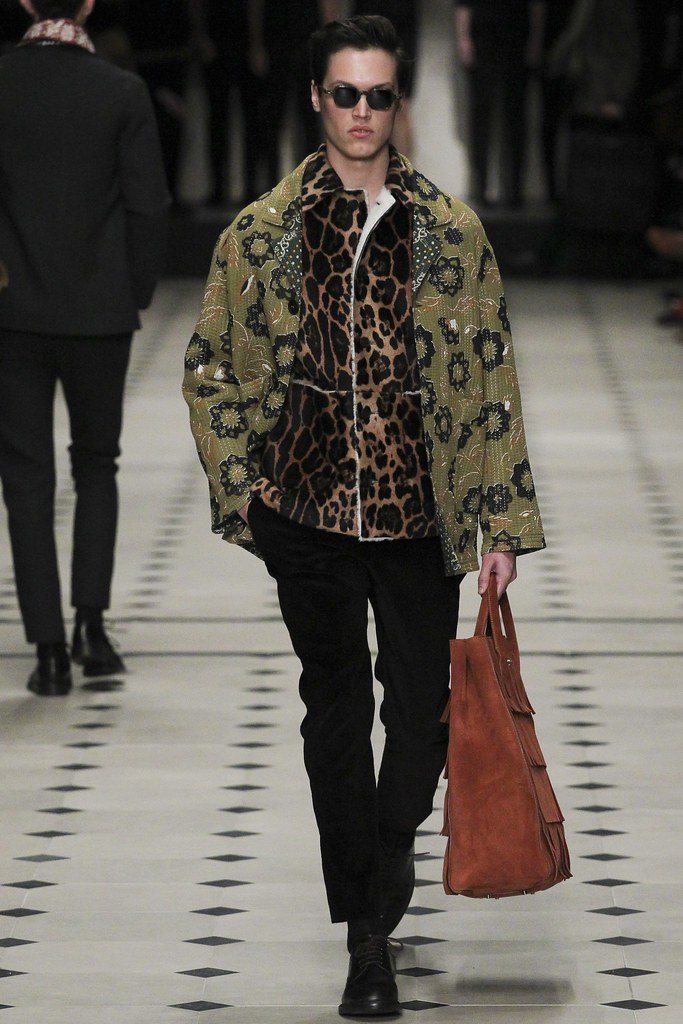 FW15 London Burberry Prorsum017_Stephen Smith(VOGUE)