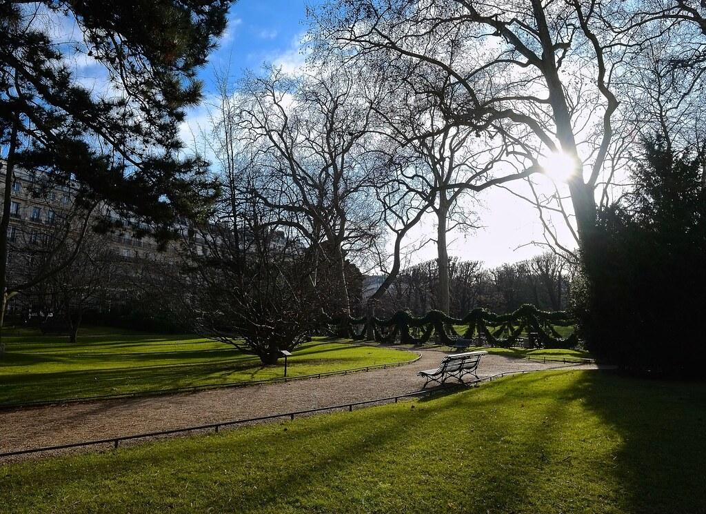 Best western le jardin de cluny mapa isla de francia for Best western jardin de cluny