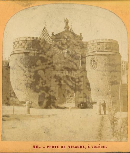 Puerta de Bisagra en 1863. Fotografía de Ernest Lamy