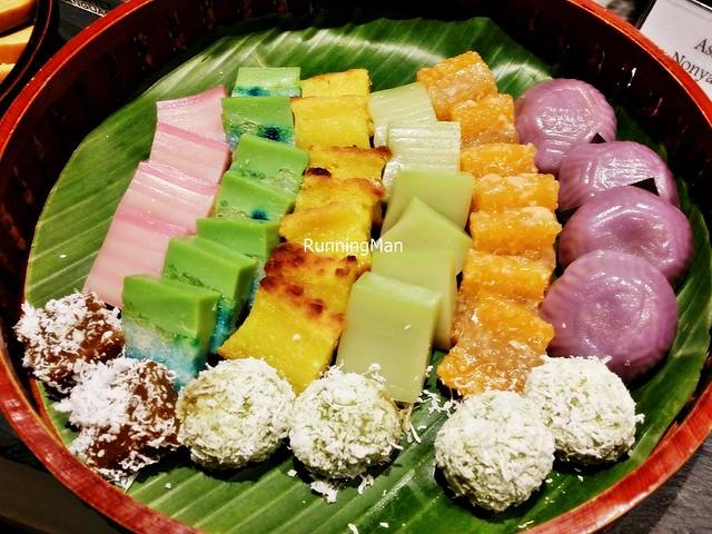 kueh assorted katong kitchen hotel peranakan village runningman singapore ivan teh hungrygowhere
