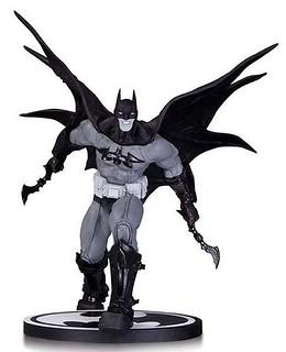 DC Collectibles – 【BATMAN X Carlos D'Anda】經典黑白蝙蝠俠雕像系列