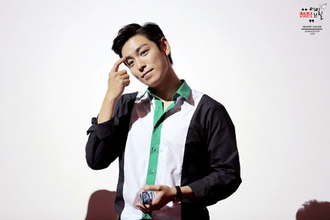 TOP-HQs-StageGreeting-Day3-20140908(6)