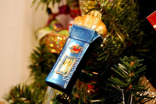ornament - spaghetti box-001