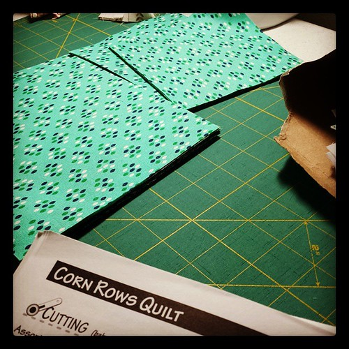 I cut out these 36 squares in a fraction of the time with the @becraftsy 'Cut to It' by Debbie Caffrey. Amazing class!