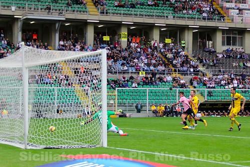 Palermo, Dybala-Barreto per affondare il Parma$