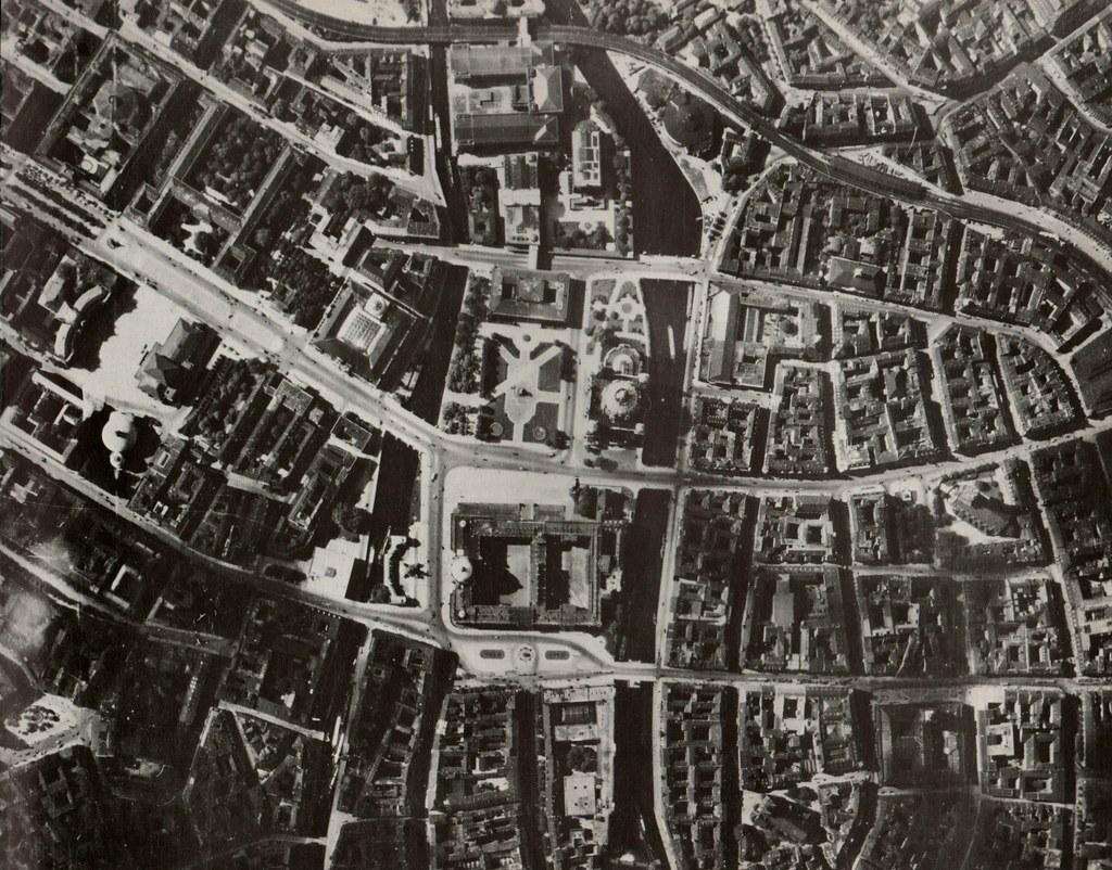 Historische Luftaufnahmen Berlin-Spree     Dom ,Lustgarten unz  1928