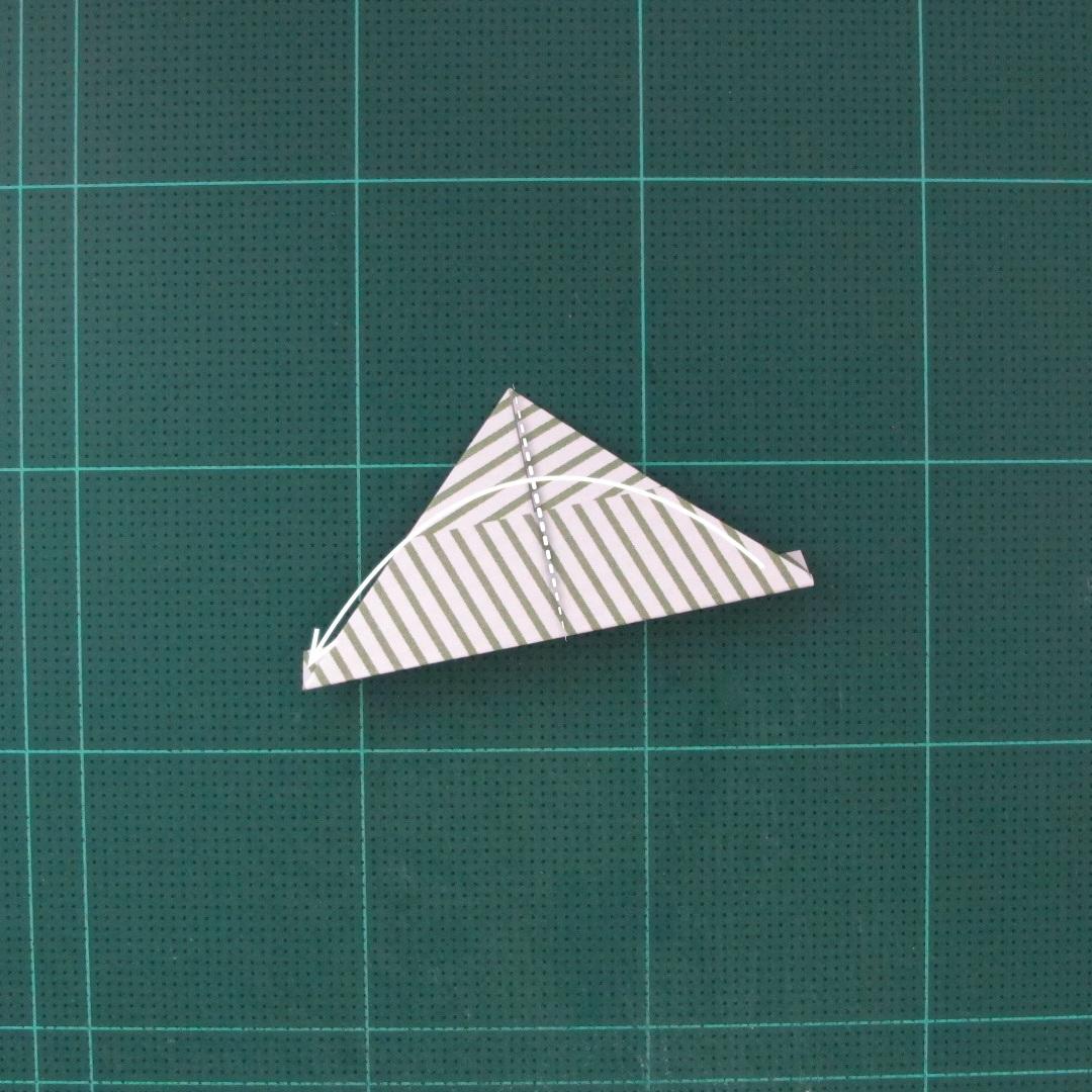 วิธีทำหรีดห้อยหน้าประตูสำหรับวันคริสต์มาส (Christmas wreath origami and papercraft) 015