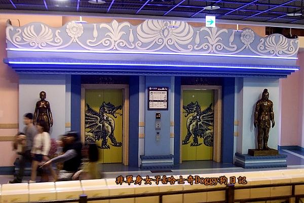 義大遊樂世界29電梯