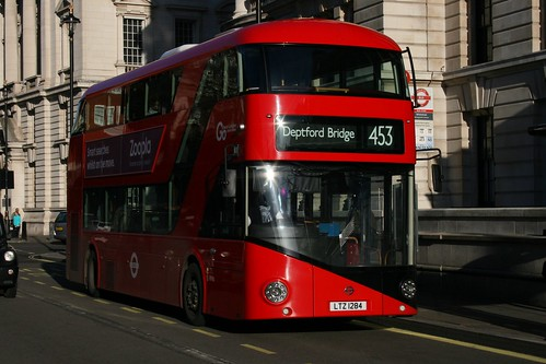 London General LT284 on Route 453, Whitehall