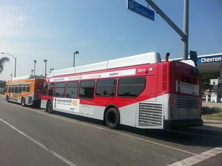 LACMTA Metro Rapid NFI XN40 LFW #5849 & Metro Local NABI CNG 40 LFW #7705