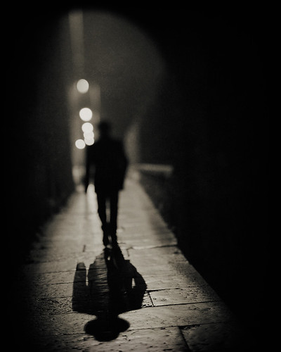 shadow italy silhouette night nikon nikkor vignette marostica vicenza pce d3s 45mmf28dmicro donaldgjean