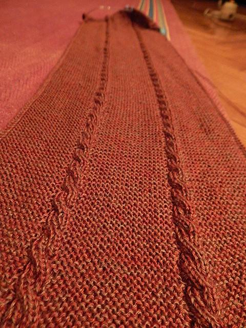 шарф со жгутами на середине