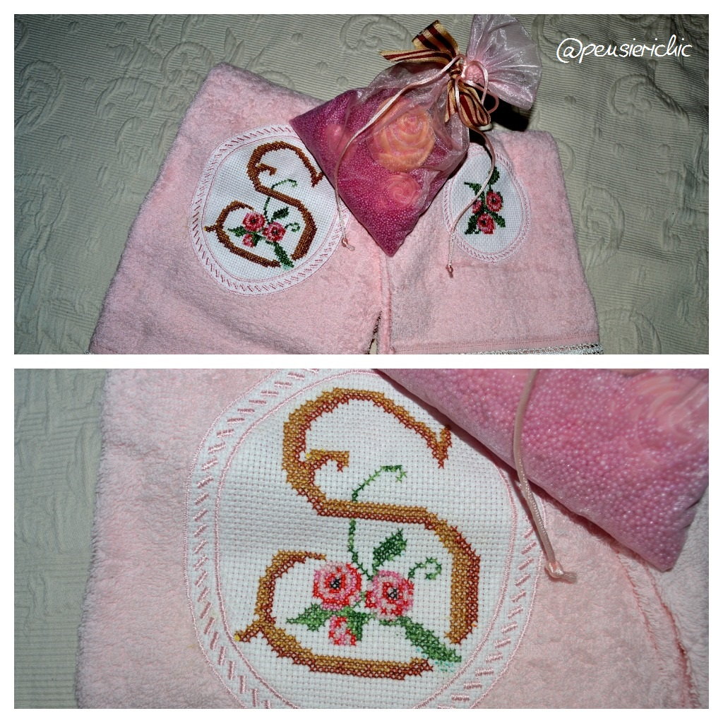 Asciugamani a punto croce