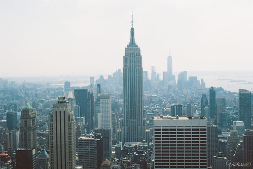 Вид на Эмпайр с Рокфеллеровского центра. Empire State Building from Top of the Rock. New York. USA