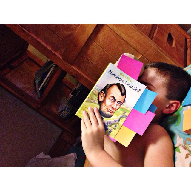 Reading and marking important notes with post-it's #owenchristoper