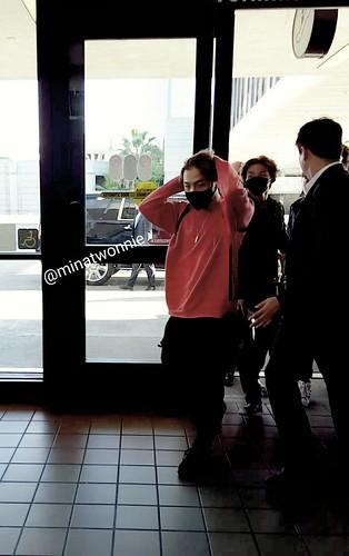 Big Bang - Los Angeles Airport - 06oct2015 - MiNatwOnnie - 02