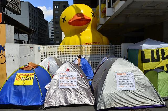 Acampamento de manifestantes pró-golpe em frente à Fiesp, em São Paulo (SP) - Créditos: Rovena Rosa/Agência Brasil
