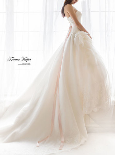 高雄婚紗推薦_高雄法國台北_新娘白紗款式13