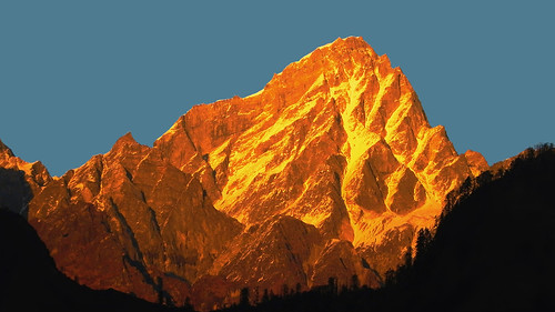 sunset india mountain landscape golden evening twilight sundown dusk peak mount uttaranchal himalaya himalayas auli garhwal lopamudra uttarakhand barmal uttarkhand lopamudrabarman
