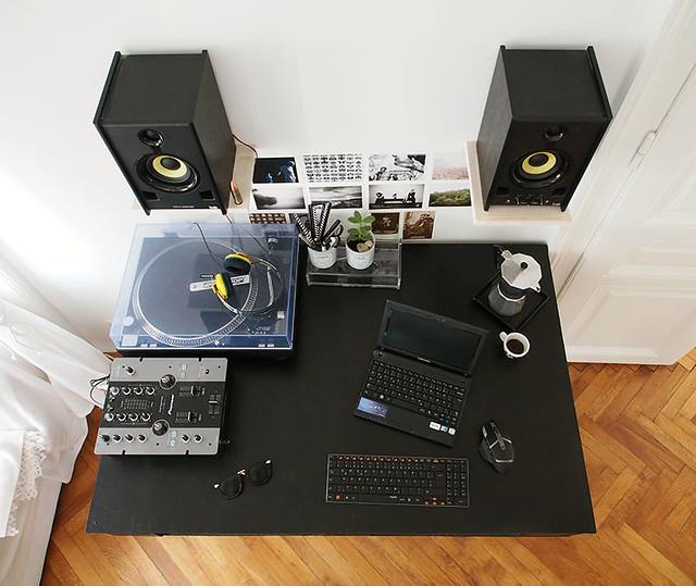 Schreibtisch-aus-Paletten-2