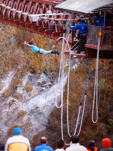 Kawarau Bridge bungee in Queenstown, NZ