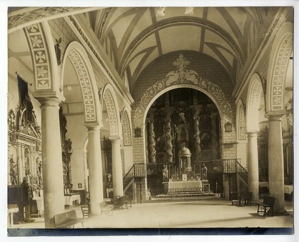 305 - Interior de la iglesia de la Magdalena