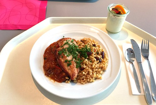 "Chicken breast ""Oriental"" with soft wheat risotto / Hühnerbrust ""Orient"" mit Eblyrisotto"