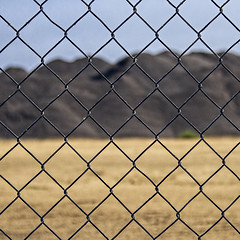 ch'ch'chainlink fence