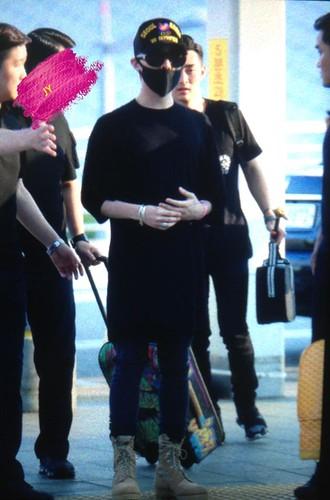 YB Dae GD departure Seoul to Bangkok 2015-07-10 020