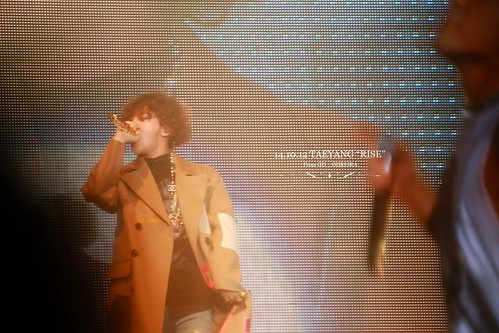GD-guestappearance-Taeyang-RISE-Seoul-20141012_07