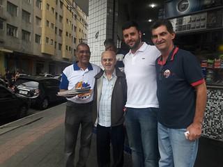 Valdir Pereira visita bairro do Glicério