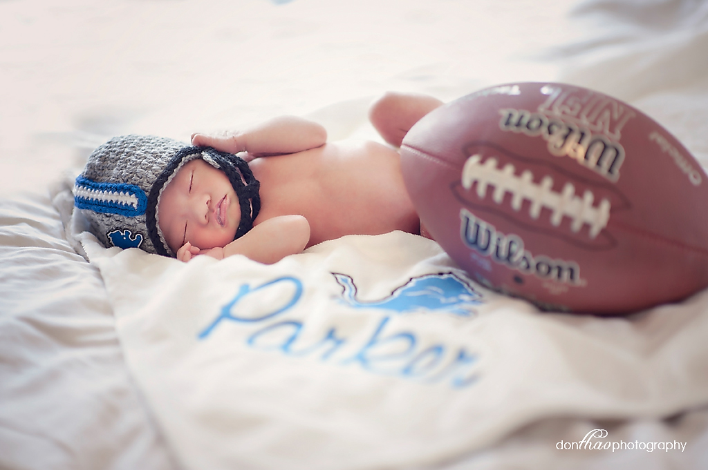 Detroit Lions newborn fan photographer