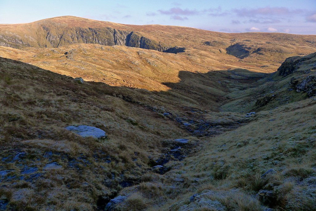 Seana Bhraigh and the gully