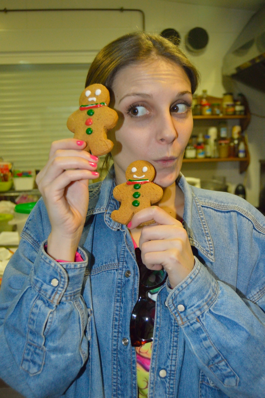 lara-vazquez-mad-lula-gingerbread-cookies-xmas-treats