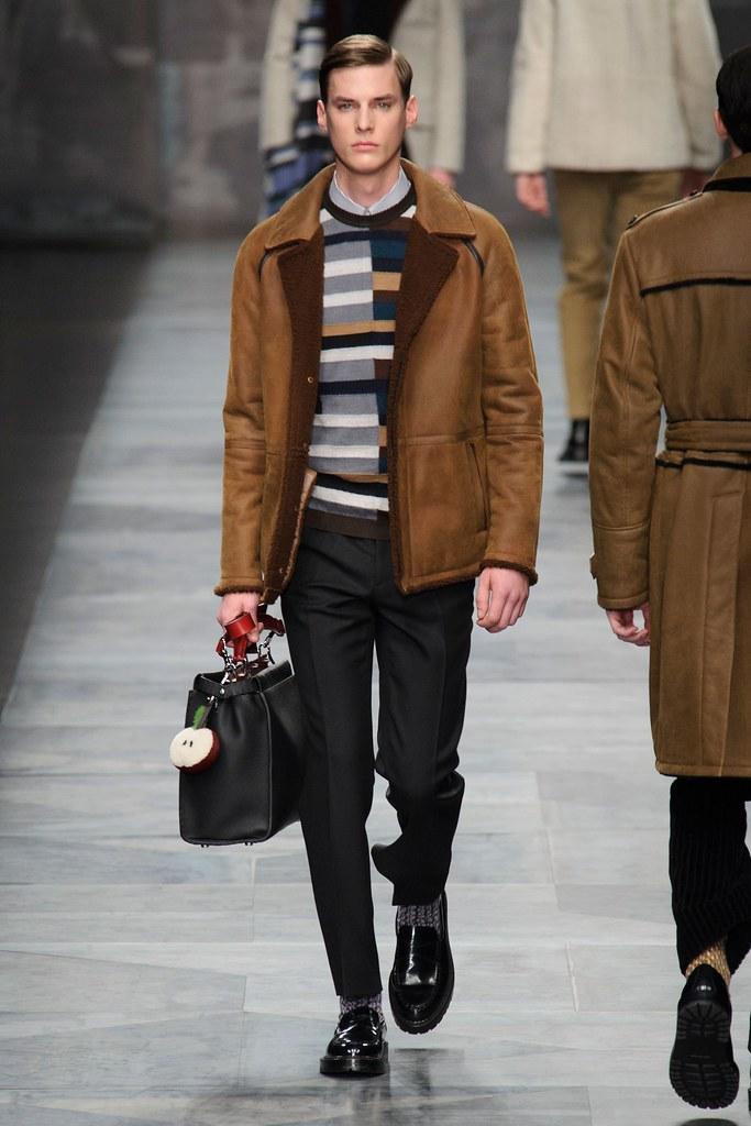 Tim Meiresone3166_FW15 Milan Fendi(fashionising.com)