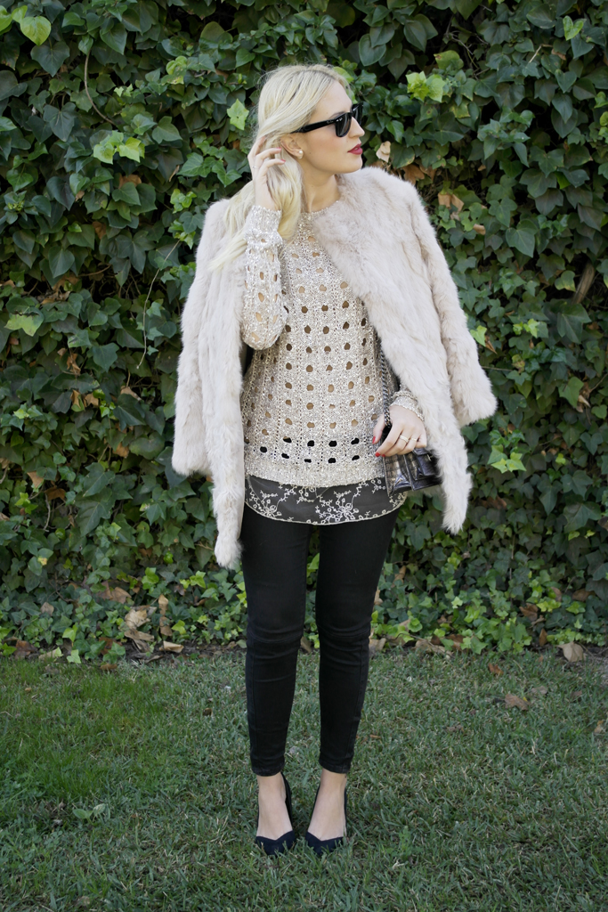 http://www.dollactitud.com/2014/12/sequins-sweater.html