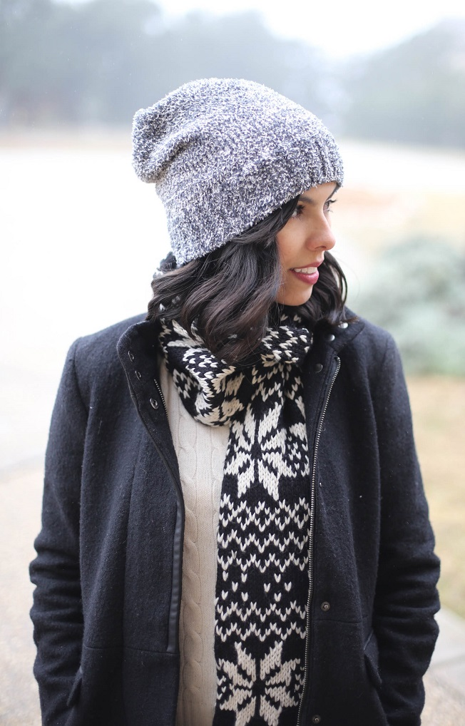 austin style blogger, casual winter outfit ideas, forever 21 beanie, printed scarf, H&M grey denim jeans, grey new balance sneakers, austin texas style blogger, austin fashion blogger, austin texas fashion blog