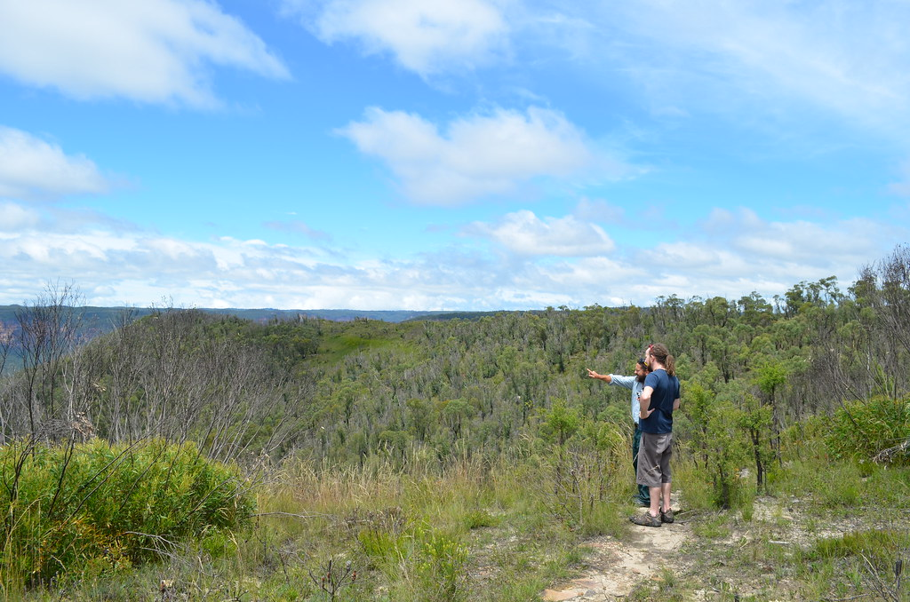 Chris & I check out the views - Mount Banks - Blue Mountains