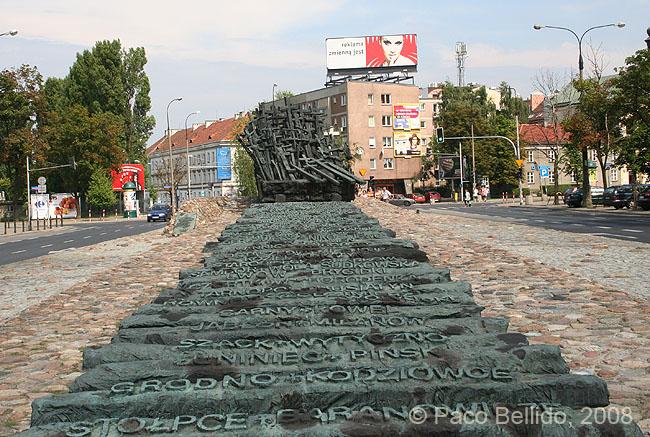 Monumento a los Caídos en el Frente Oriental. © Paco Bellido, 2008