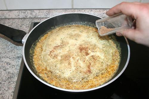 23 - Mit Salz, Pfeffer & Muskatnuss abschmecken / Taste with salt, pepper & nutmeg