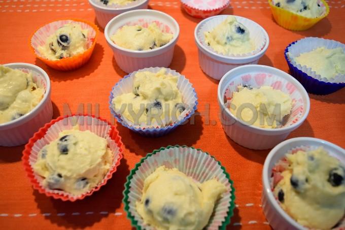 Blueberry muffins - 7