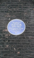 Photo of Nancy Astor blue plaque