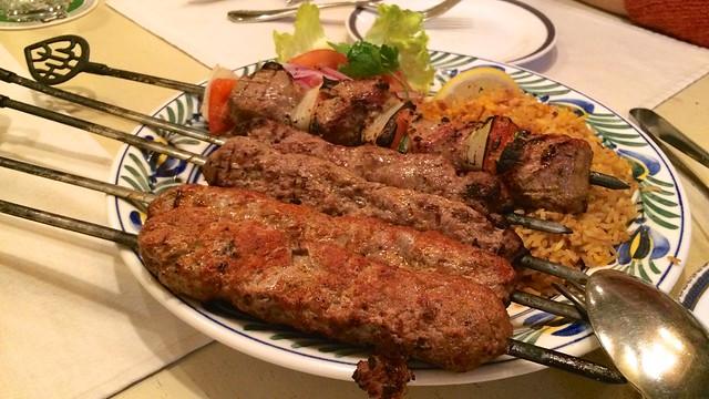 ケバブ3種(Sis kebab, Sis köfte, Adana kebab)