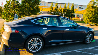 09 - Tesla Model S Charging Up In Front of the Hilton Garden Inn Seattle North