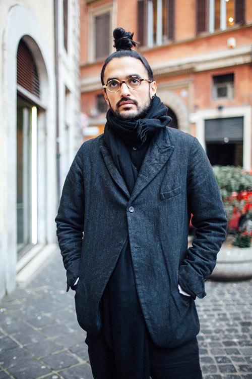 黒コーデ ポールハーンデンのジャケット
