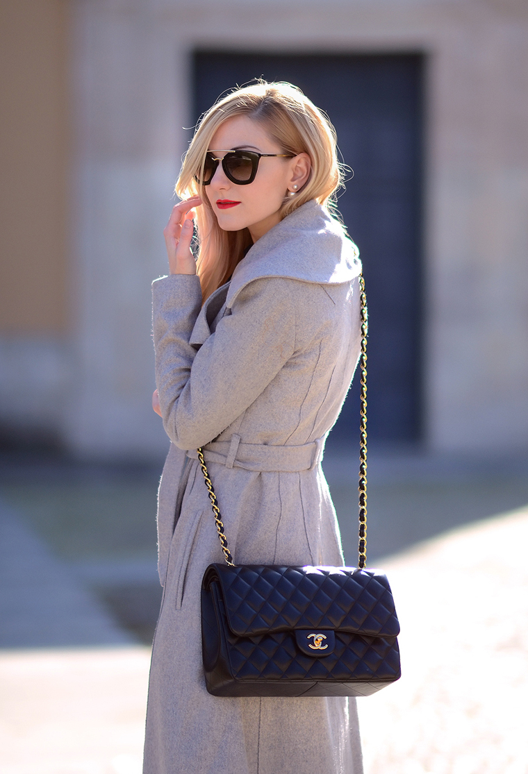 Grey coat (Oh My Vogue)