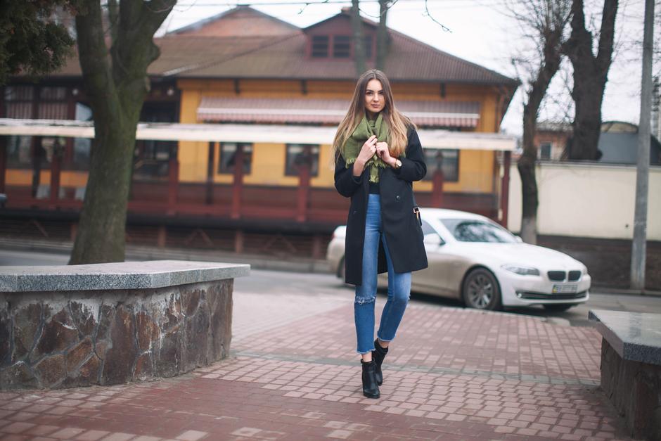 black-oversized-coat-street-style-outfit-ideas-blog