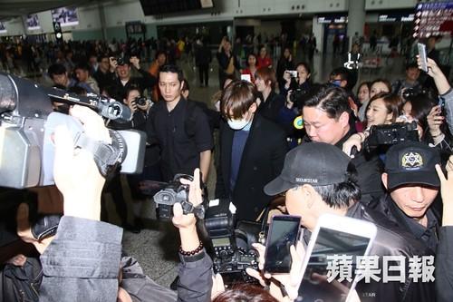 TOP arrival Hong Kong Press 2015-03-13 03